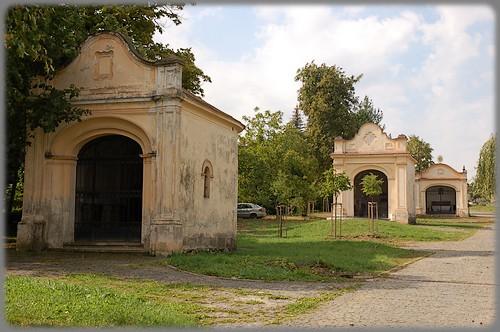 Cesta ku kostolu Sedembolestnej P. Márie